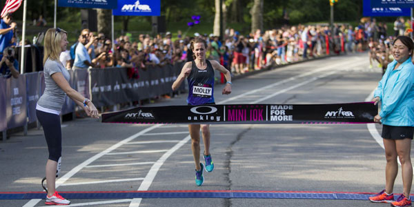 Molly Huddle wins New York Mini 10K